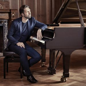 Andsnes Plays Grieg + Beethoven 5